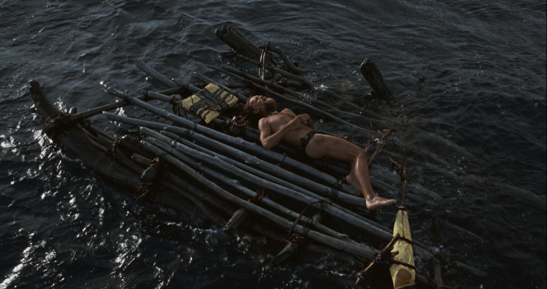 Как выжить в открытом море: правила и способы