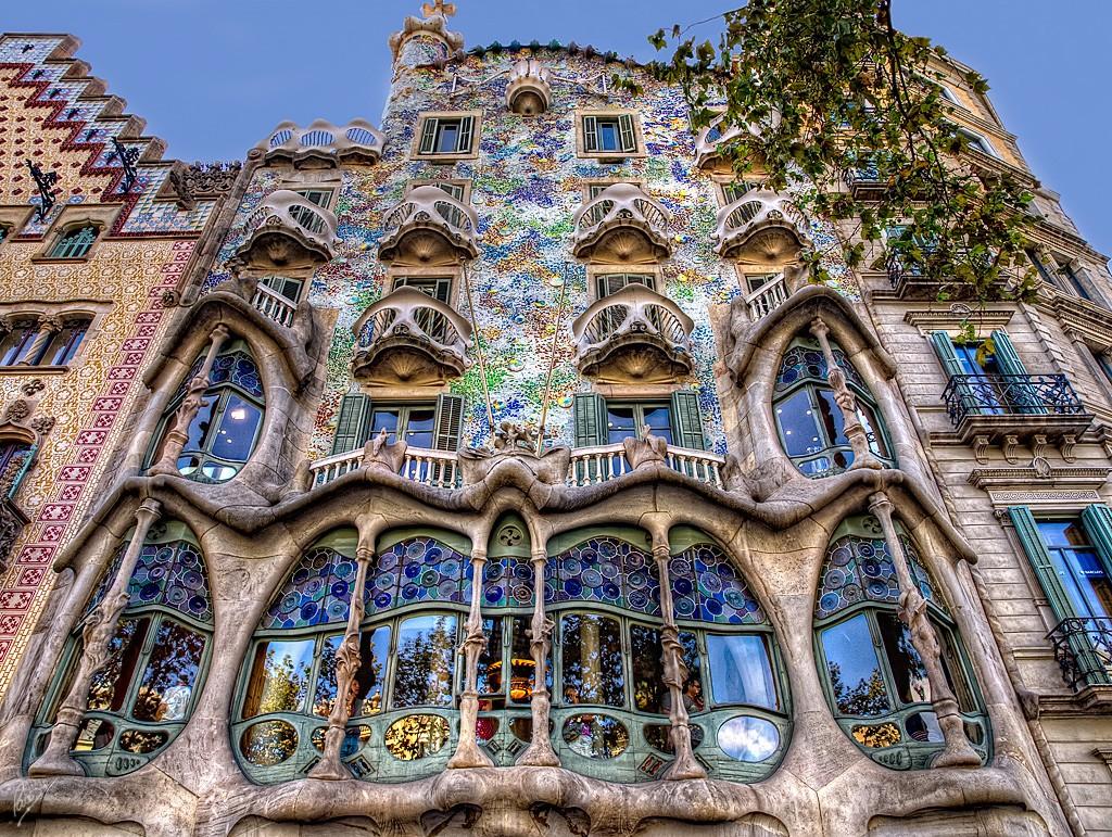 Знаменитый дом Бальо в Барселоне