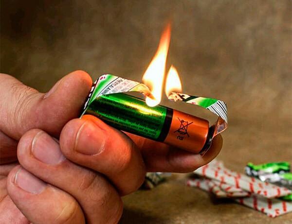 Как получить огонь с помощью батарейки?