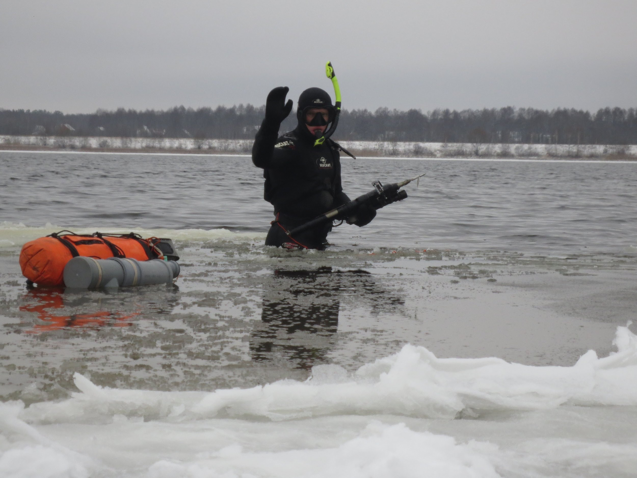 Занятия подводной охотой в зимнее время года