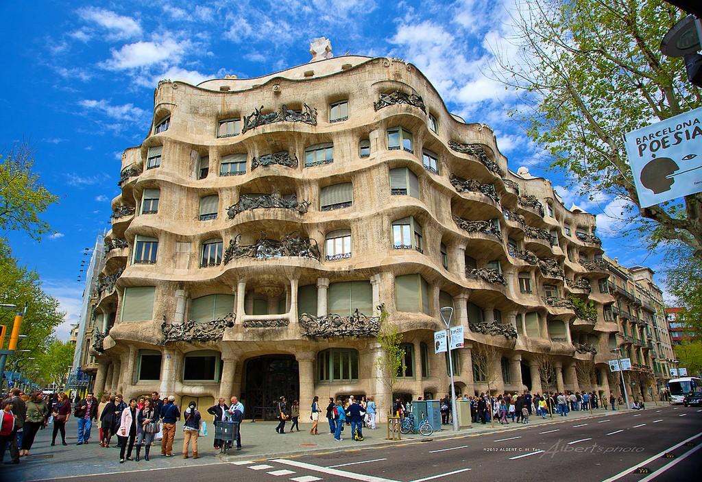 Дом Мила в Барселоне - история создания и как добраться?