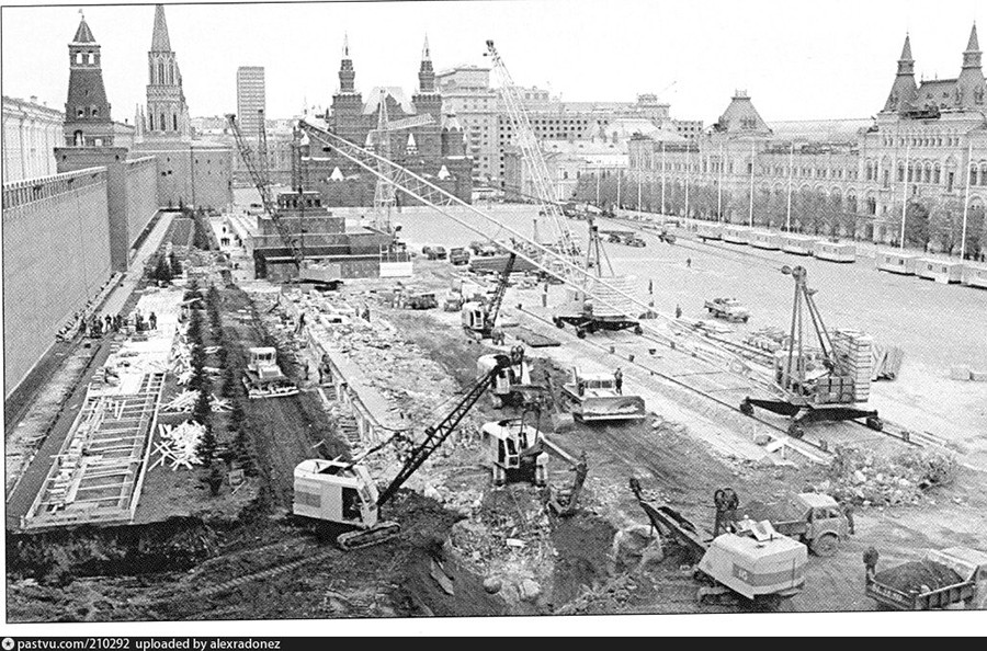 1974 год, реконструкция Красной площади.