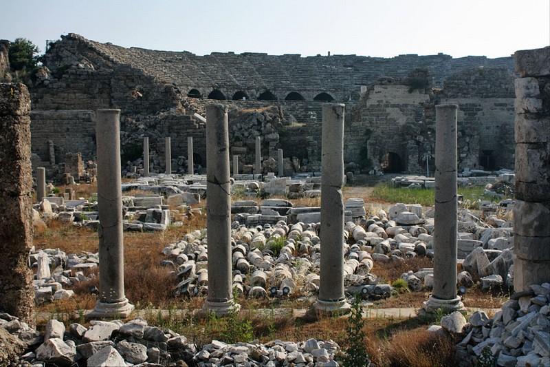 Амфитеатр Сиде в Турции