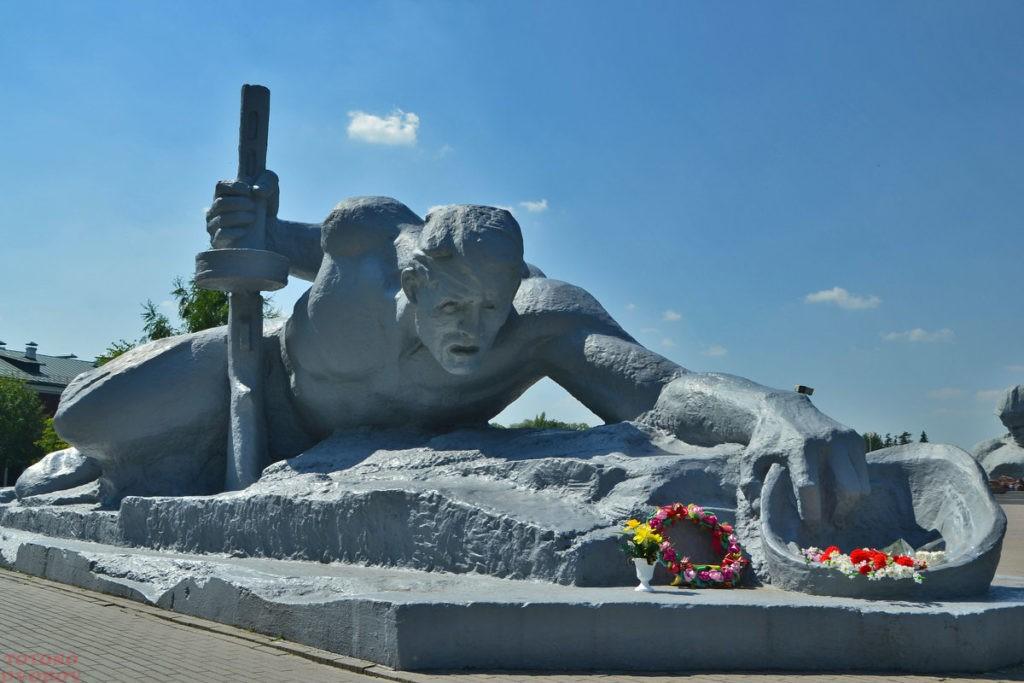 Памятник Жажда в Брестской крепости