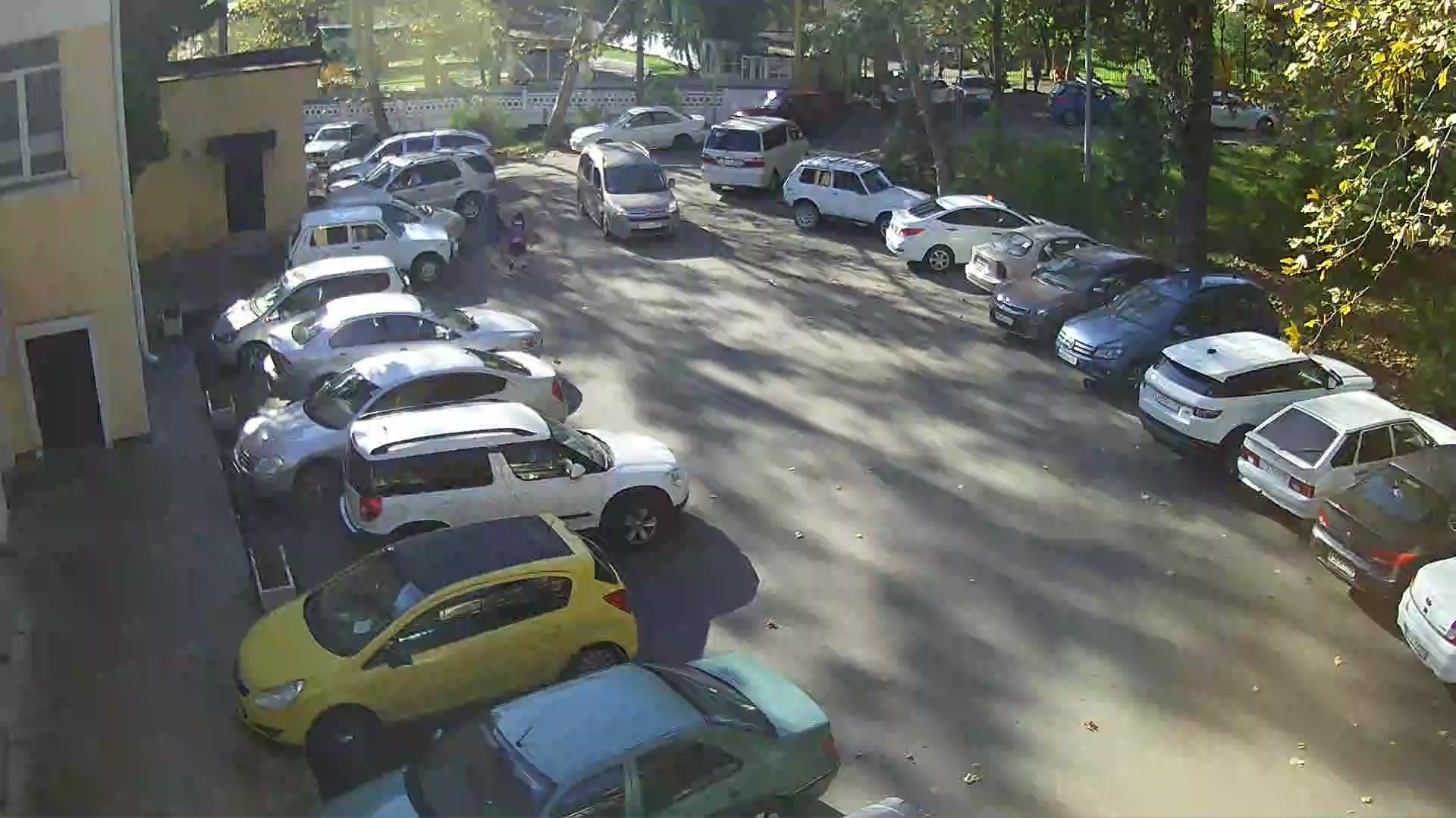 Вебкамера в Дагомысе, парковка «Дома культуры»
