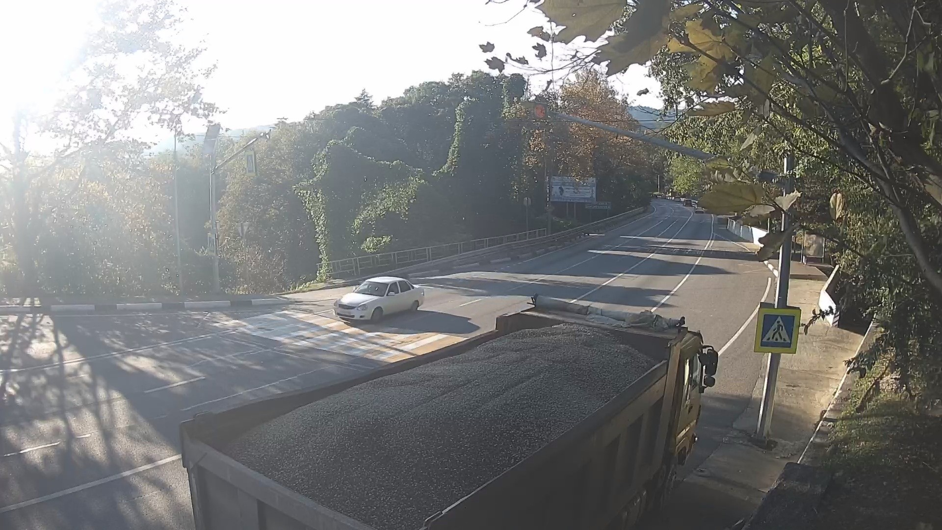 Вебкамера в Дагомысе, Нижняя Шаумяновка, пешеходный переход