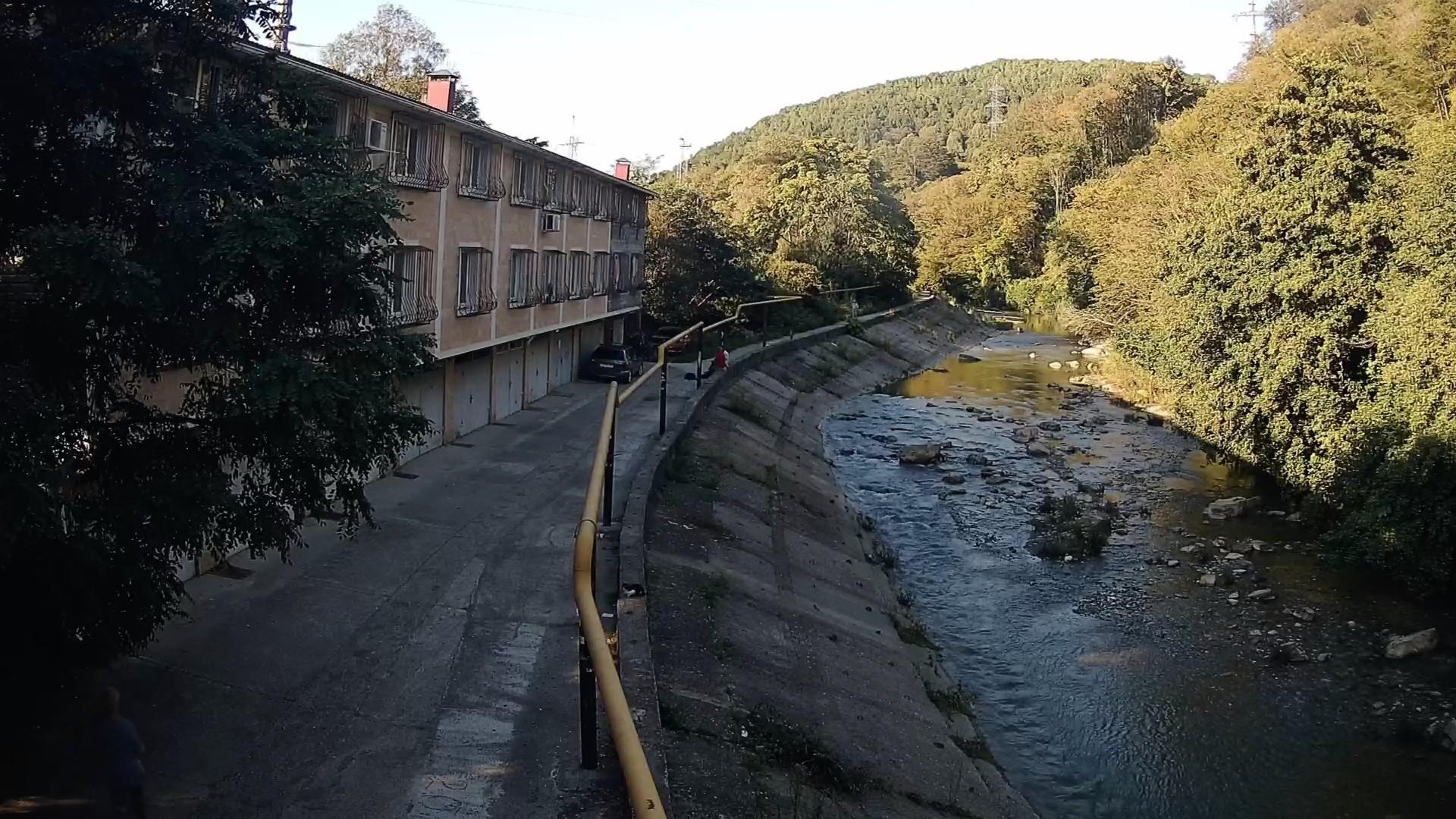 Вебкамера в Дагомысе, река «Западный Дагомыс», ул. Армавирская 120