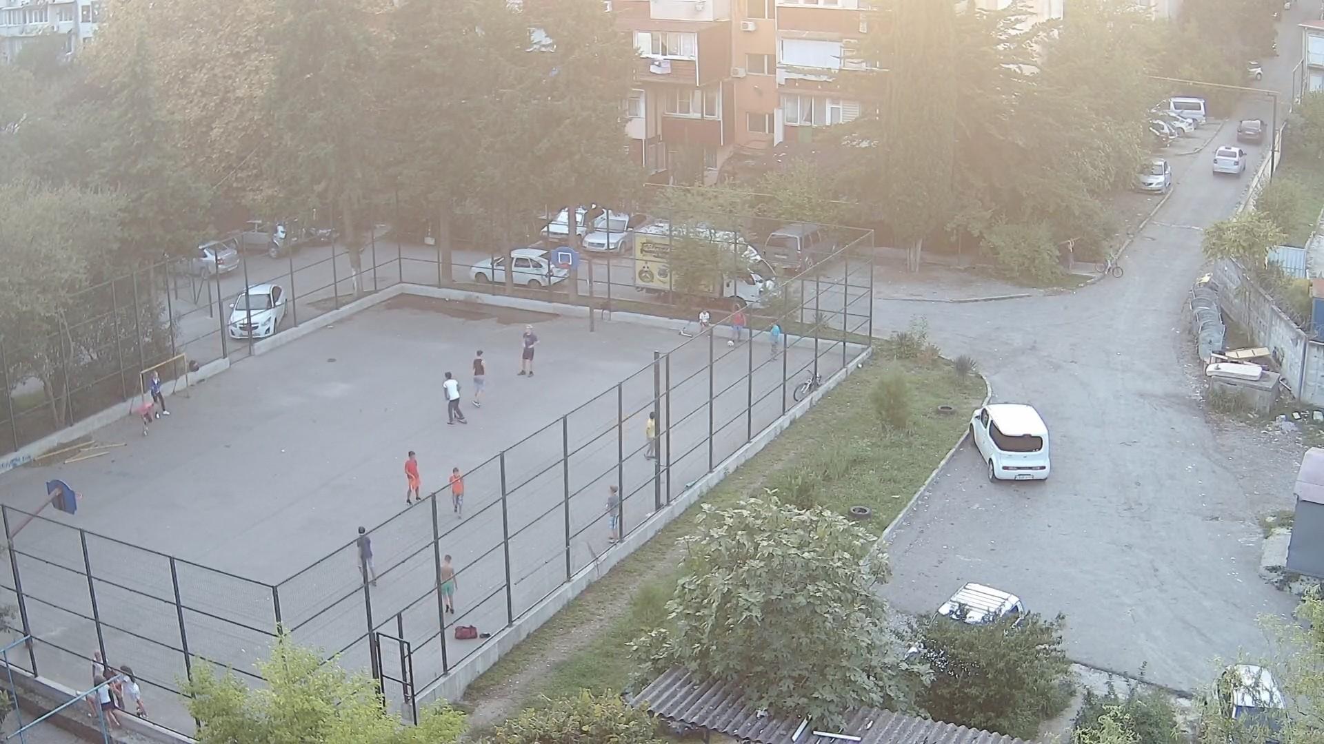 Вебкамера в пос. Дагомыс на ул. Армавирская 118, «Спортплощадка»