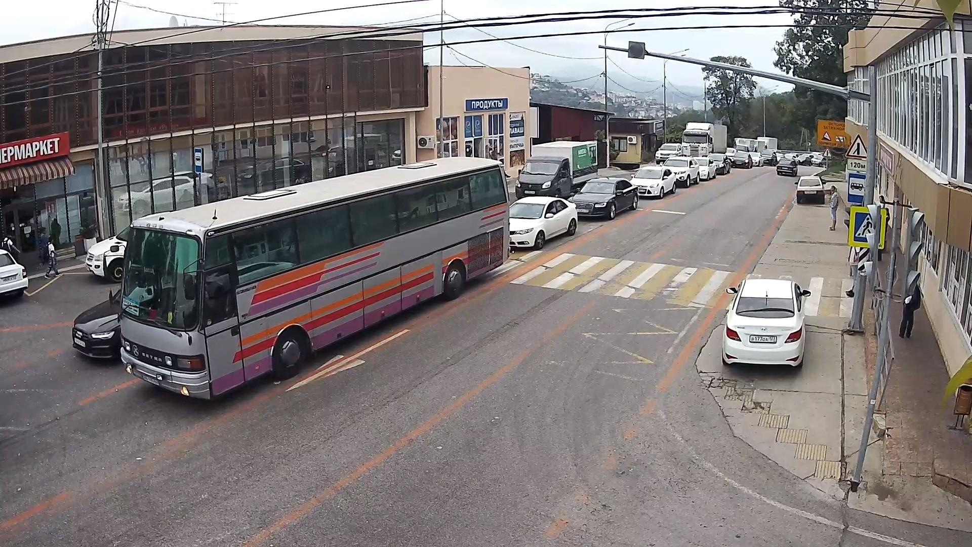 Вебкамера в Сочи на Мамайском перевале, пешеходный переход