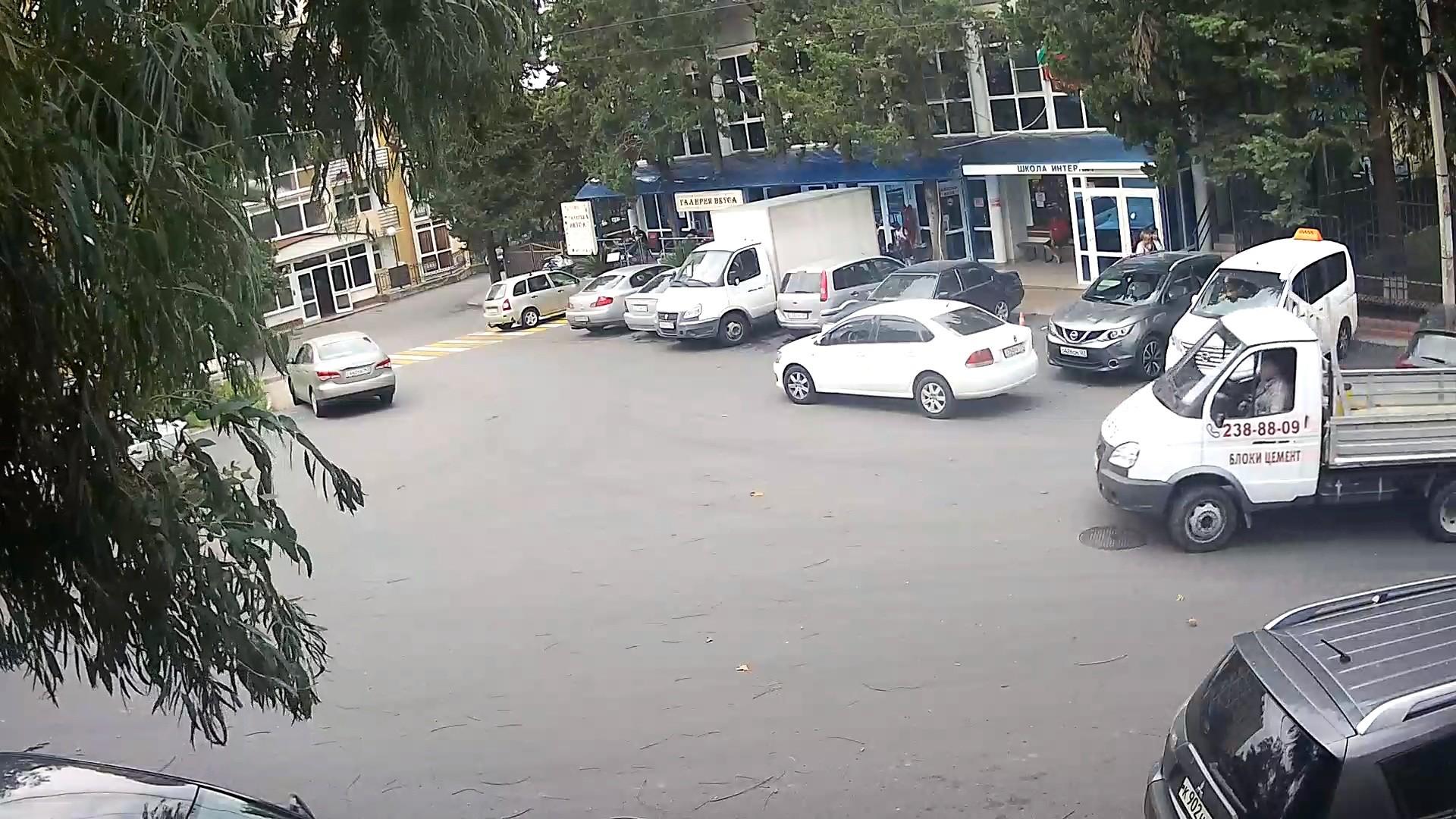 Вебкамера на остановке «Интернат», ул. Плеханова пос. Мамайка