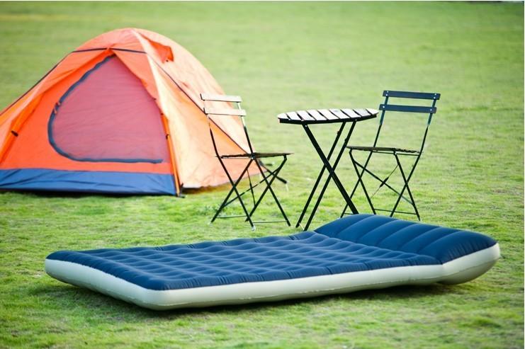 надувной матрас в палатке