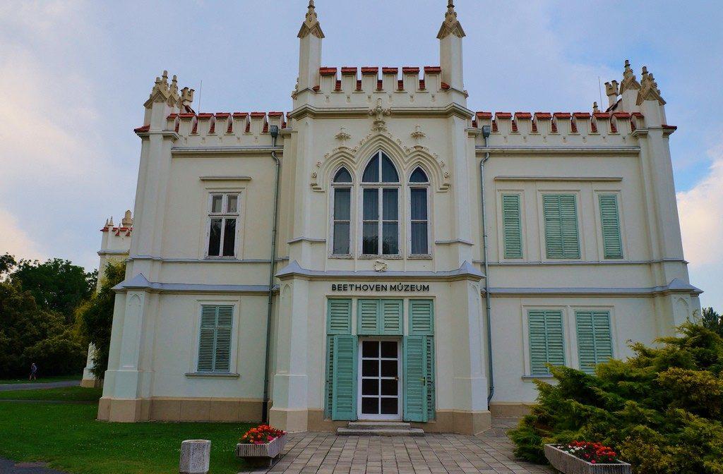 Замок Брунсвик Венгрия
