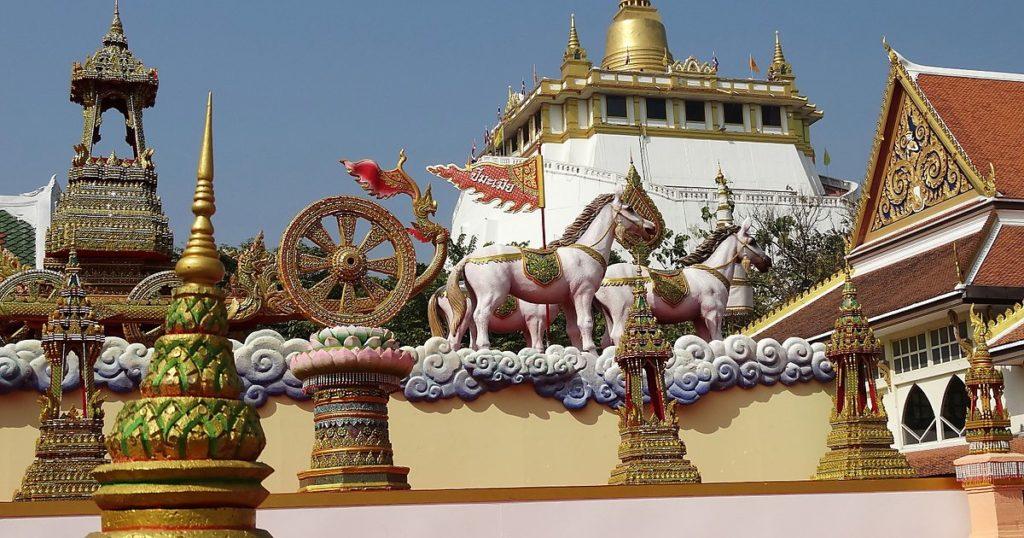 Храм Ват Сакет в Бангкоке