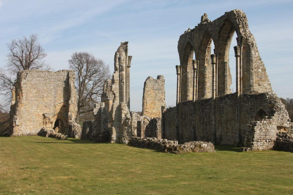 руины Аббатства замок франков