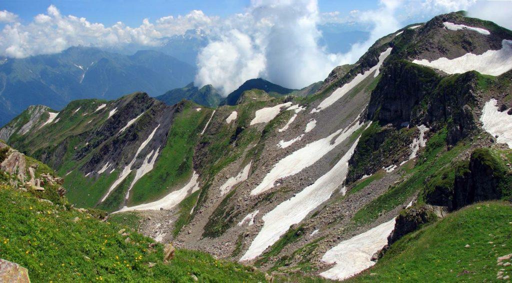 Гора Ачишхо на Красной поляне