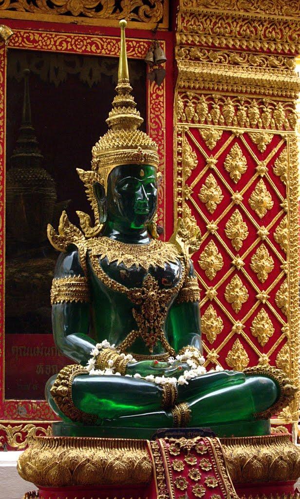 Изумрудный Будда в Лампанге