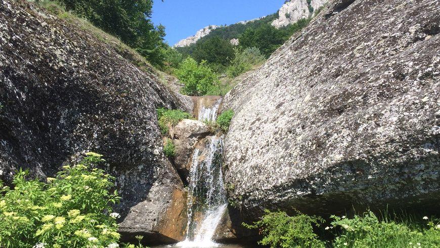 Затерянный мир у водопада Джурла - экскурсии
