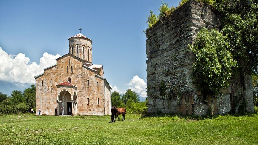Храмы и святыни Восточной Абхазии - экскурсии