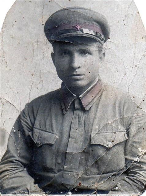 Ст. лейтенант Мельников