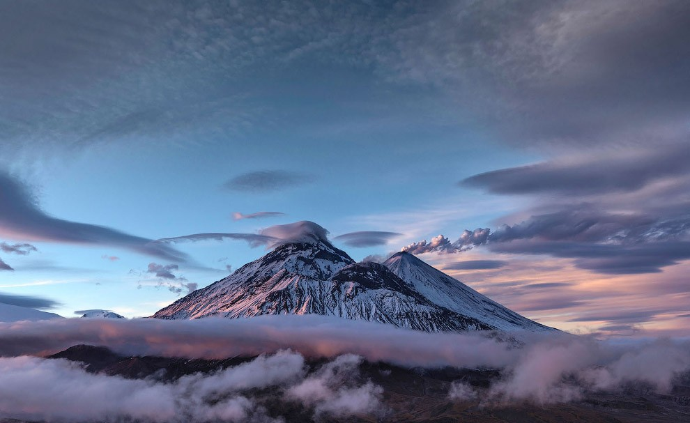 Самые красивые вулканы Камчатки