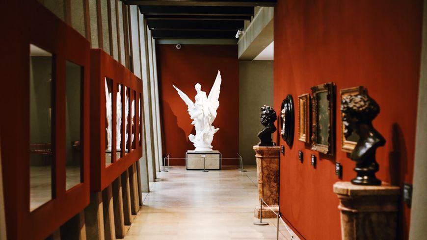 Музей д'Орсе и его скандальные шедевры - экскурсии