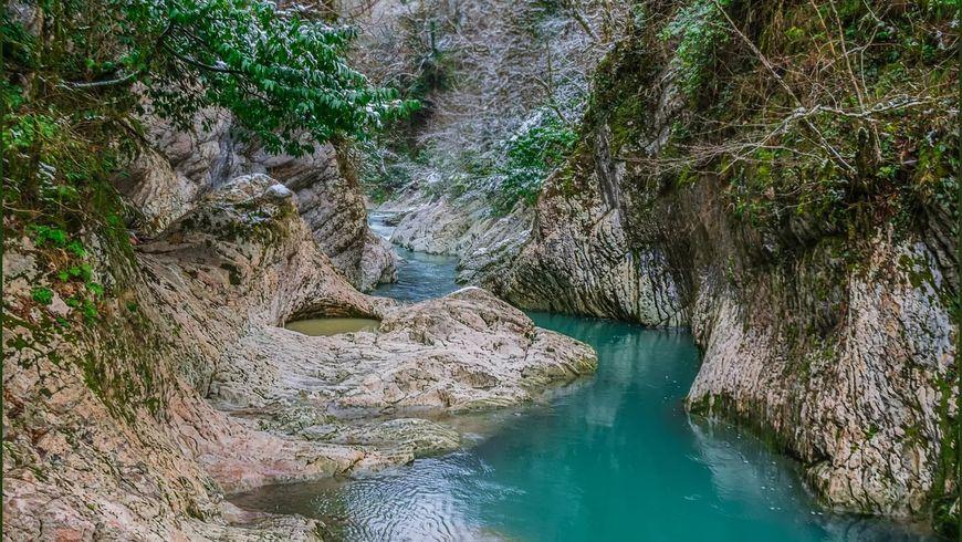 Дивное ущелье реки Хоста - экскурсии