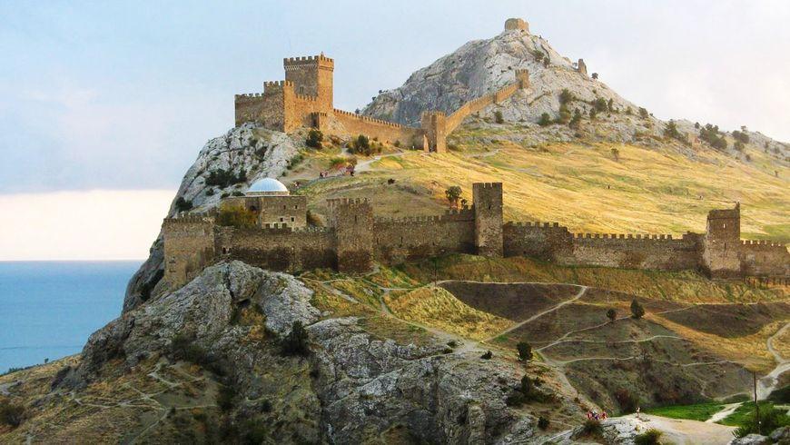 Путешествие из Алушты в Судак и Новый свет - экскурсии
