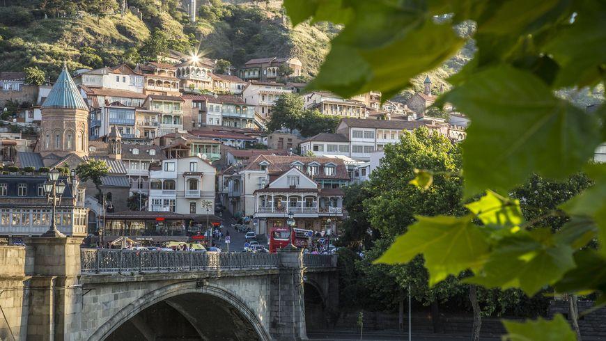 Нескучная прогулка с коренным тбилисцем - экскурсии