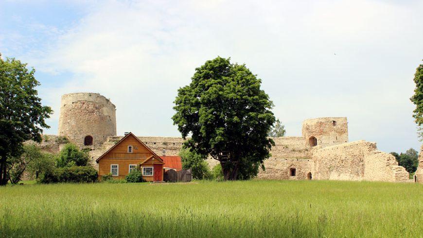 Дух Древней Руси и былинные пейзажи в Изборске - экскурсии