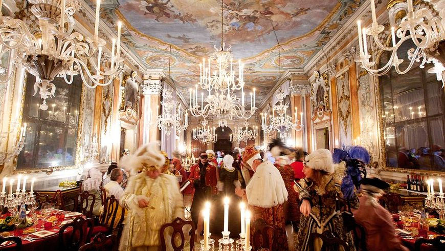 Дворец Ка 'Реццонико — патрицианский быт Венеции 18 века - экскурсии