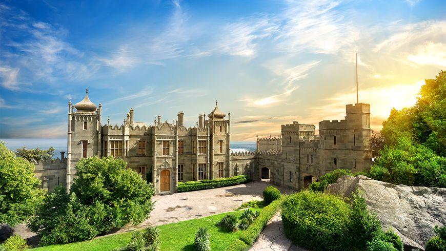 Шедевры Южного Крыма: Воронцовский дворец и замок «Ласточкино гнездо» - экскурсии