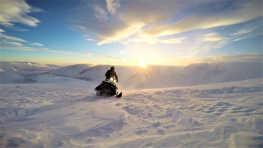 По Хибинам на снегоходе! - экскурсии