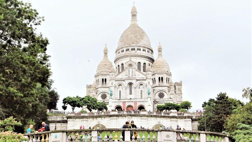 Прогулка по Монмартру с посещением базилики Сакре-Кёр - экскурсии