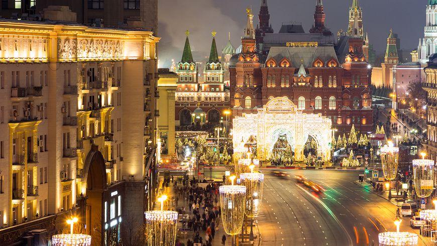 По новогодней Москве на Поющем автобусе! - экскурсии