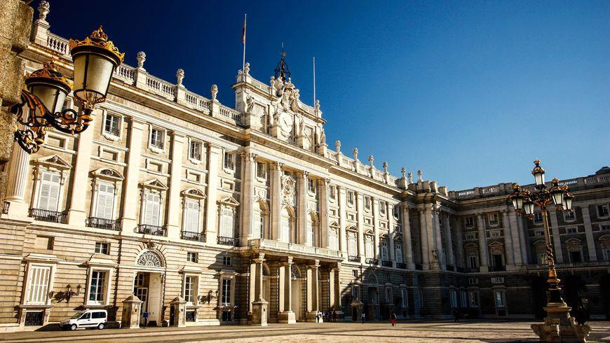 Экскурсия в Королевский Дворец - экскурсии