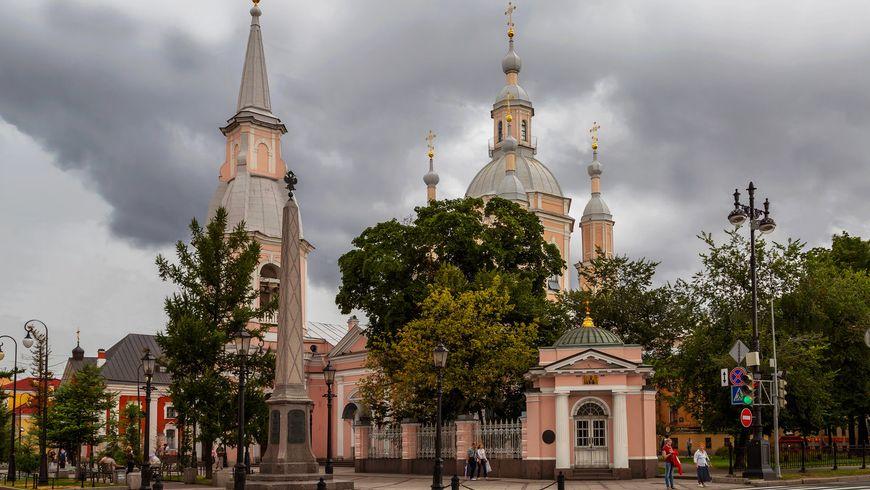 Десять святынь Петербурга - экскурсии