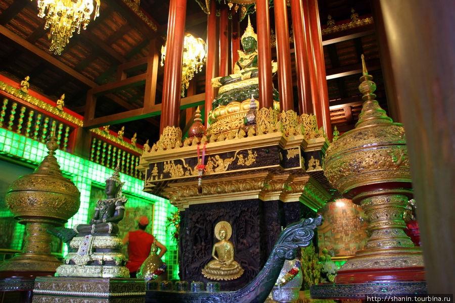 Изумрудный Будда в Чианг Рай