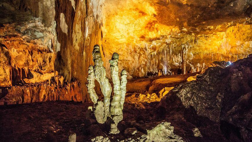 Пещера Магара— неандертальская «многооэтажка» - экскурсии