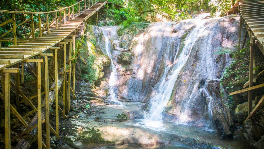 В гостях у Кавказа: 33 водопада и застолье в горах - экскурсии