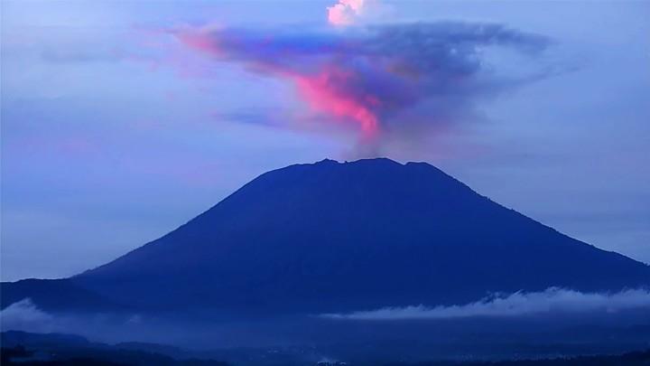Веб-камера вулкана Агунг на Бали