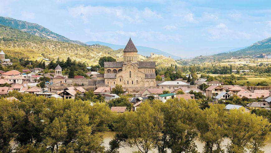 Архитектурное ожерелье Мцхеты – христианские храмы и античный Уплисцихе - экскурсии