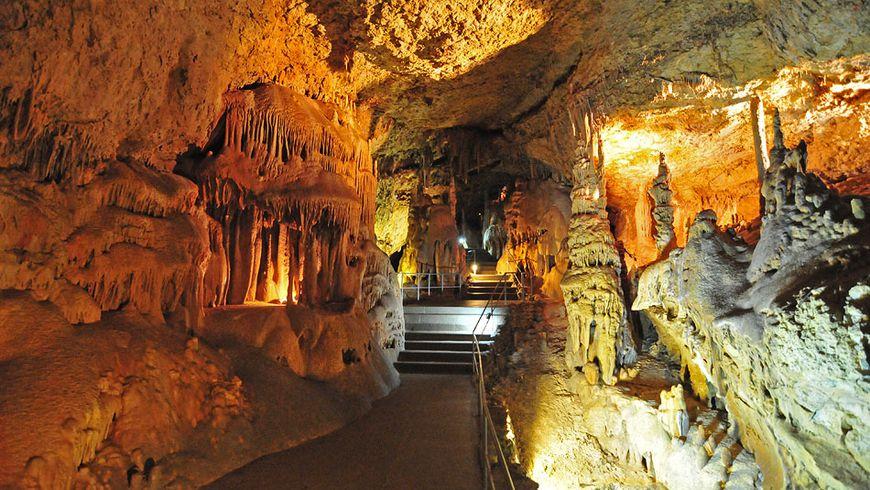 Ктаинственным пещерам Чатыр-Дага - экскурсии