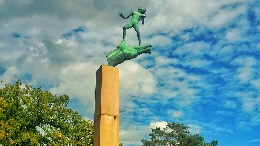 Скульптурные шедевры в саду Карла Миллеса - экскурсии