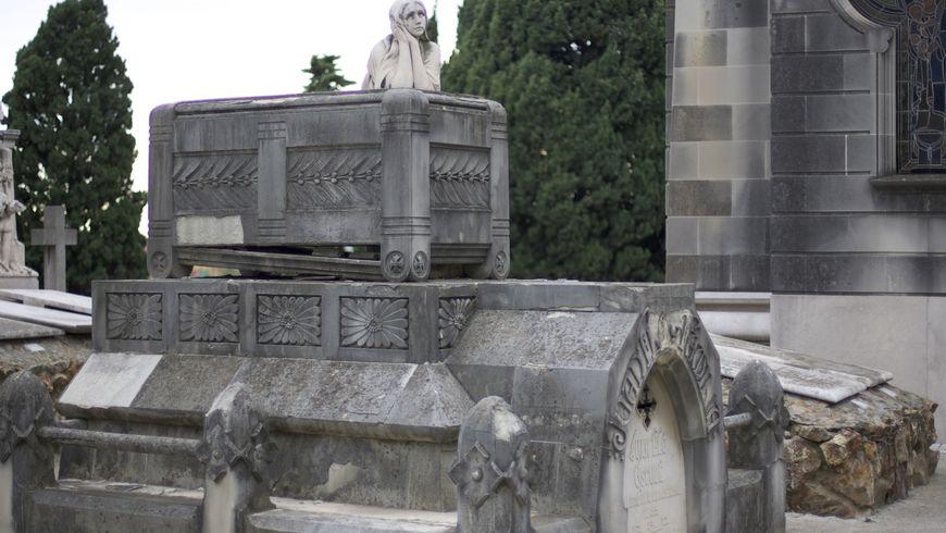 Город Мёртвых. Кладбище Монтжуик - экскурсии