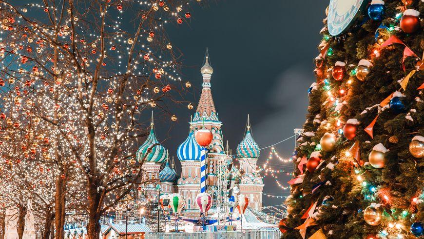 Прогулка с Дедом Морозом по новогодней Москве - экскурсии
