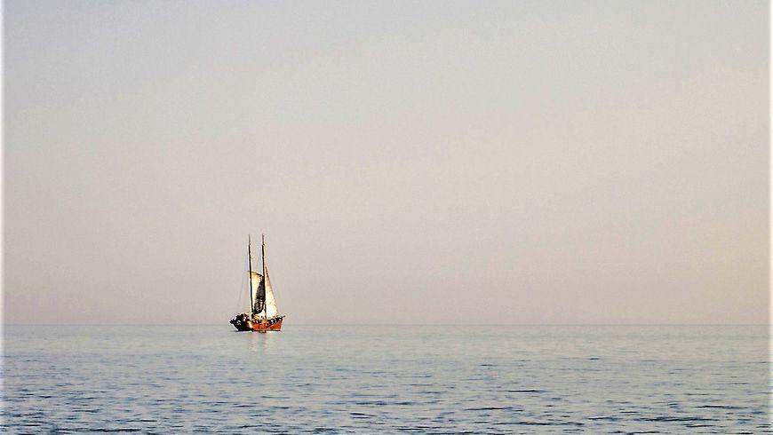 Прогулка под парусом на Каспийском море - экскурсии