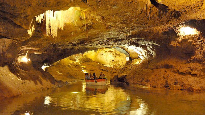 Подземная река в пещерах Святого Иосифа - экскурсии