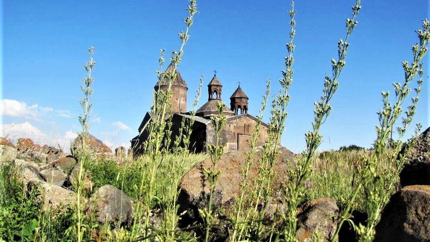 Архитектура и великие святыни средневековых монастырей - экскурсии