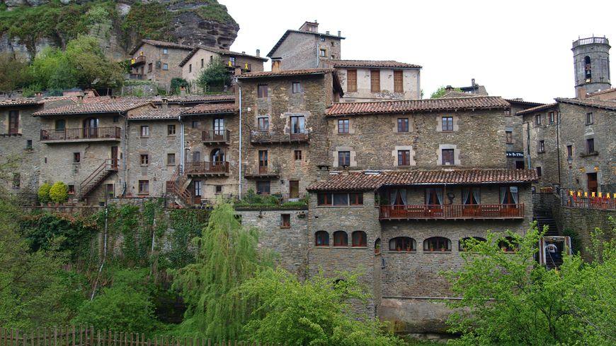 Каталонские крепости: Бесалу