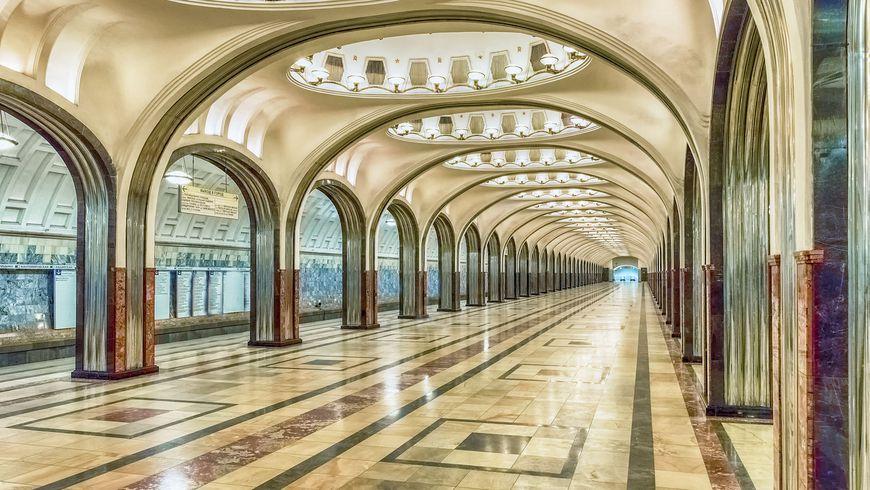 Московское метро: подземный храм СССР - экскурсии